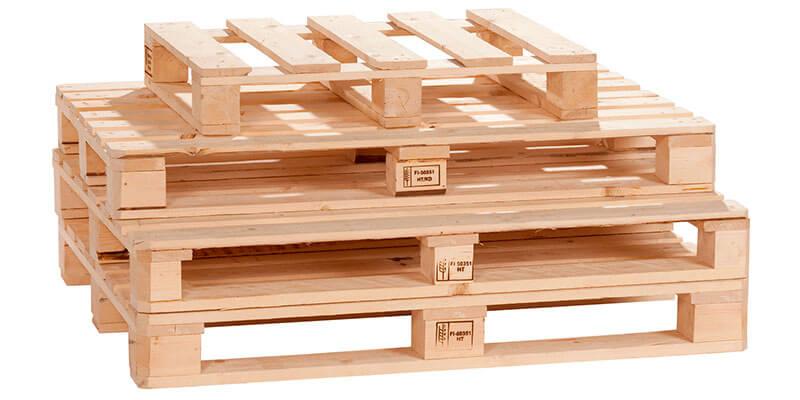 Qual a principal matéria-prima utilizada nos paletes de madeira?